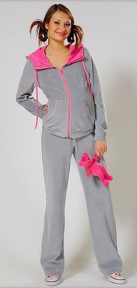 Статей жіночий одяг спортивний